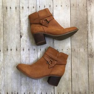 Sperry Chelton Leather Heeled Ankle Booties 9